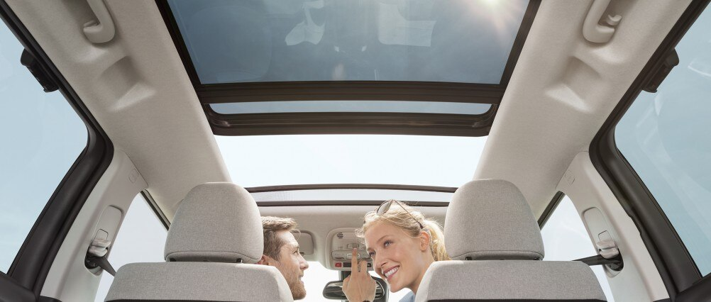 OPENING PANORAMIC GLASS ROOF